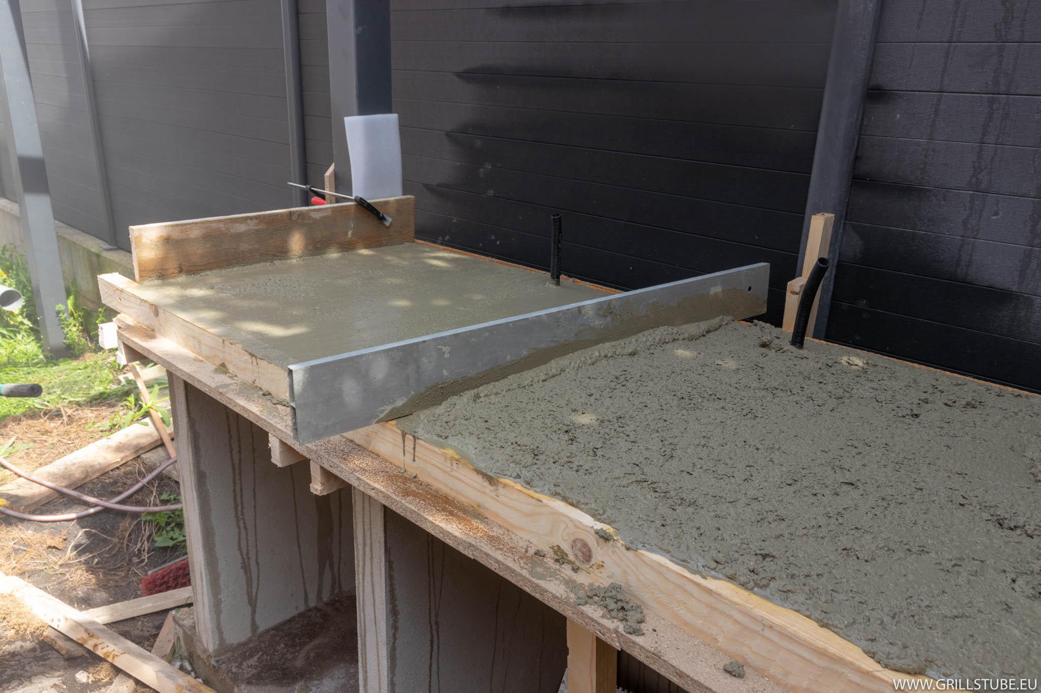 Outdoorküche: Betonieren der Arbeitsplatte | Andys ...