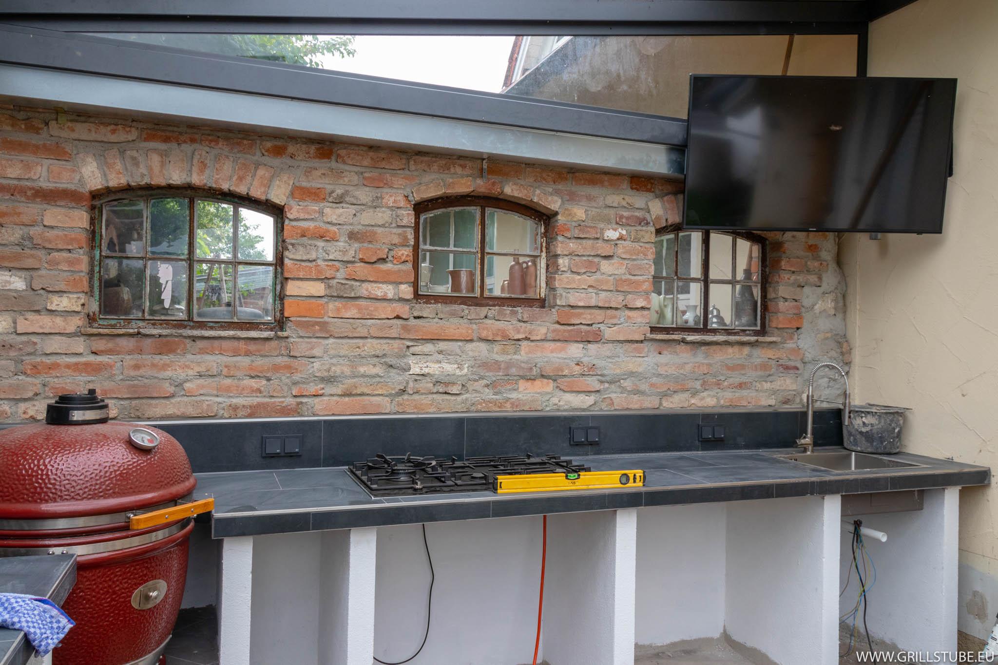 Outdoor Küche Steinmauer : Outdoorküche u uhd tv für gemütliche abende andys grillstube