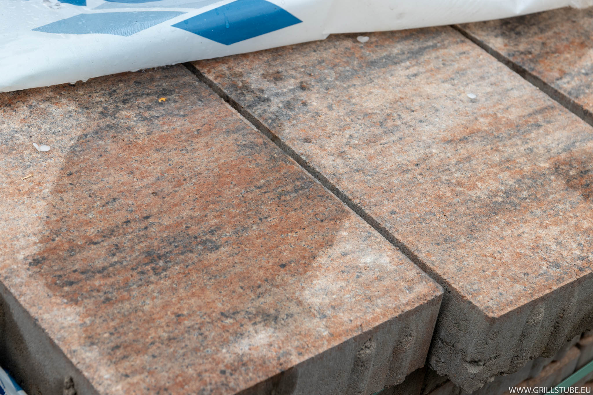 Outdoorküche Stein Facebook : Outdoorküche anlieferung der pflastersteine andys grillstube
